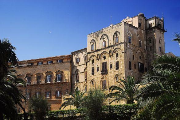 palermo-palazzo-dei-normanni-sede-della-regione1